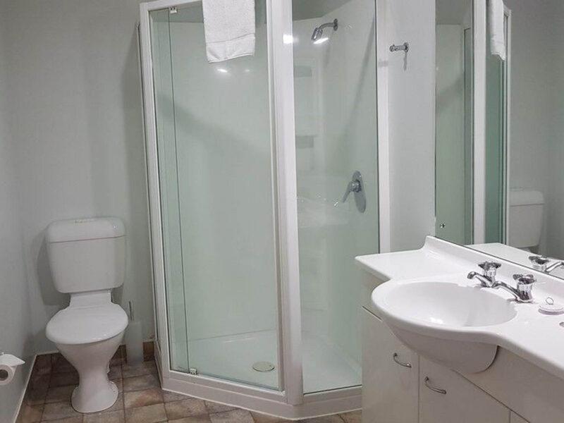 Bathroom - Courtenay Village 2 Bedroom Apartment