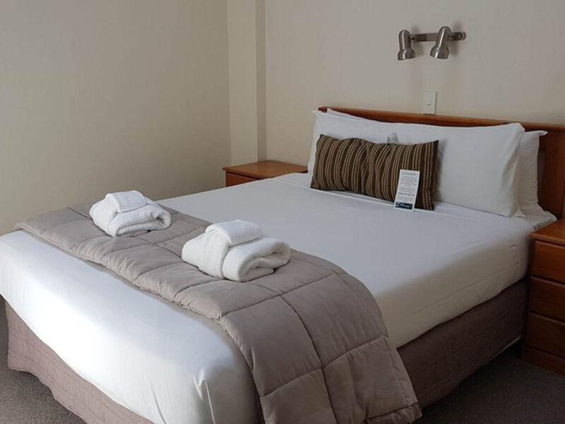 Bed - Courtenay Village 2 Bedroom Apartment