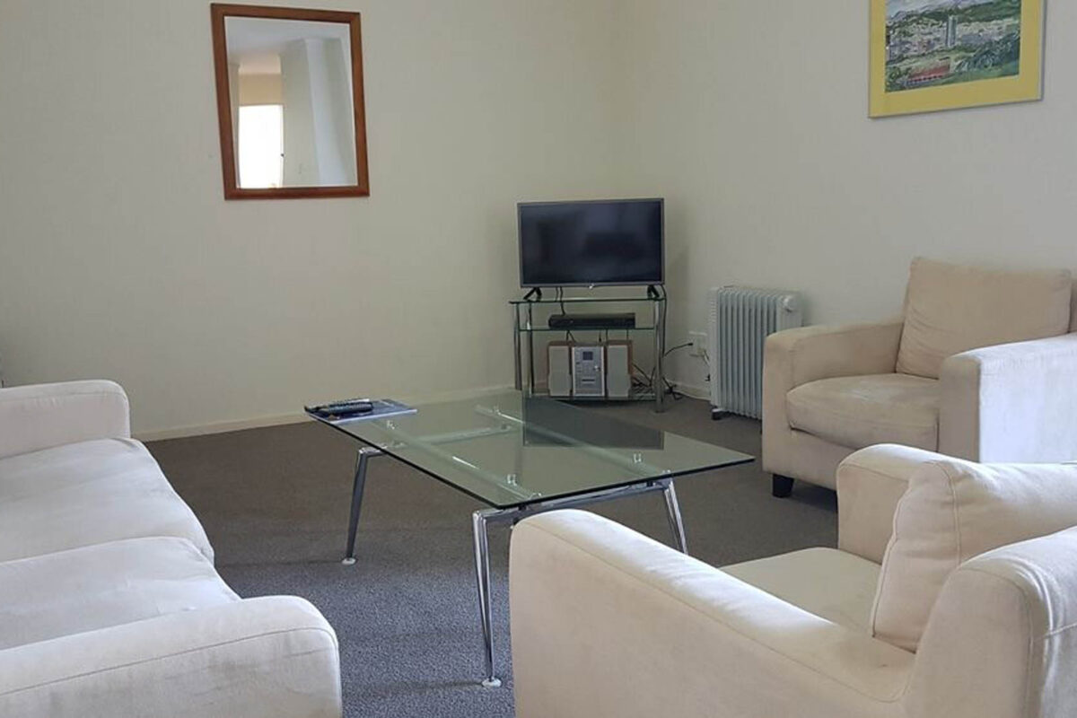 Living Room - Courtenay Village Two Bedroom Apartment